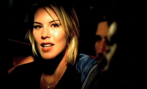 Jennifer Paige – Crush